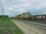 UP 3826 & 7848 with a loaded ballast train in the pass at Altoona